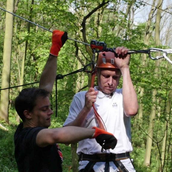 Zipline - lanová dráha - zábavné atrakce, firemní akce Brno