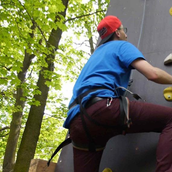 Zábavné atrakce - outdoor umělá horolezecká stěna, zábavné atrakce