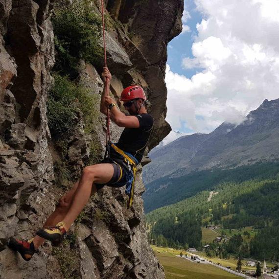 Lezení na skalách - zábavné atrakce Středočeský kraj