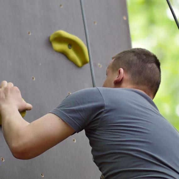 Umělá mobilní horolezecká stěna - zábavné atrakce v Praze