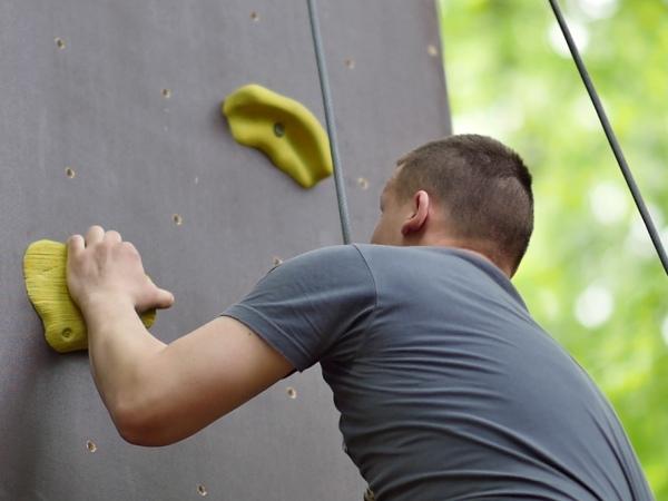 Mobilní horolezecká uměla stěna - indoor zábavné atrakce
